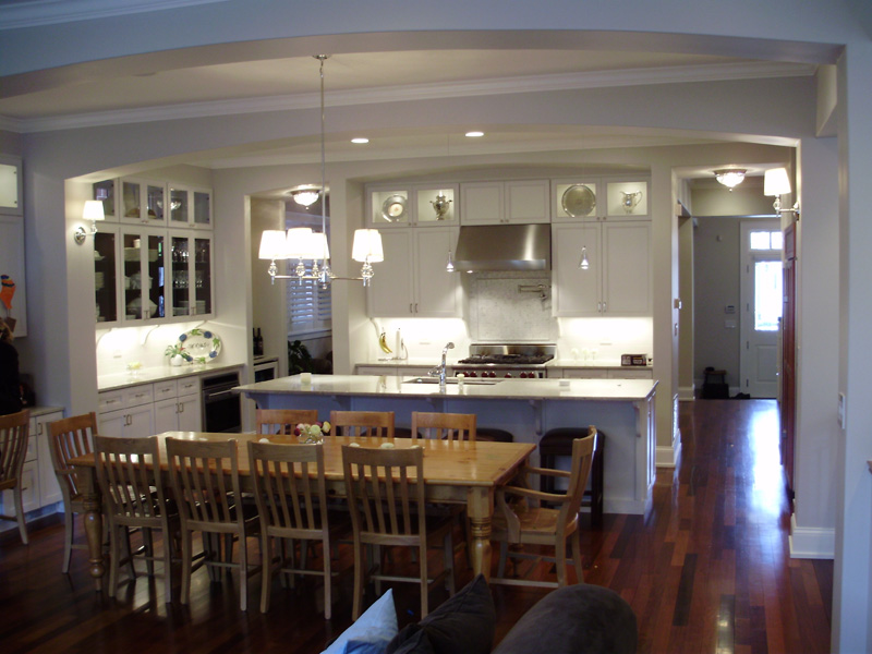 3438 Greenview – Kitchen and breakfast area
