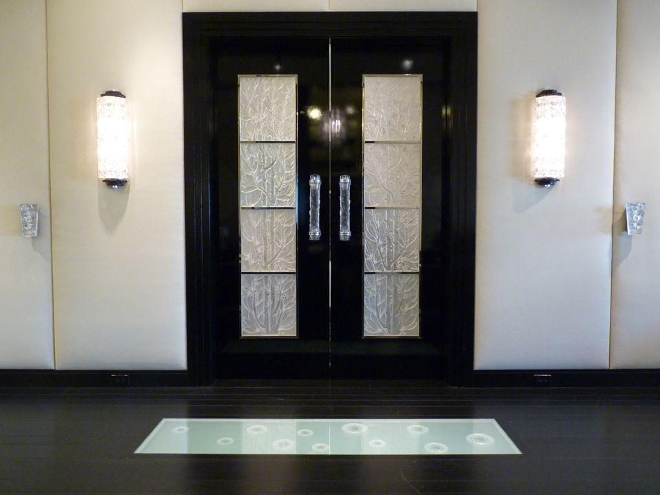 Lalique Chicago Showroom - Doors