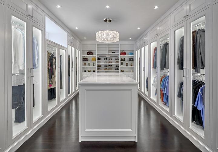 Villa Blanco_Master Closet