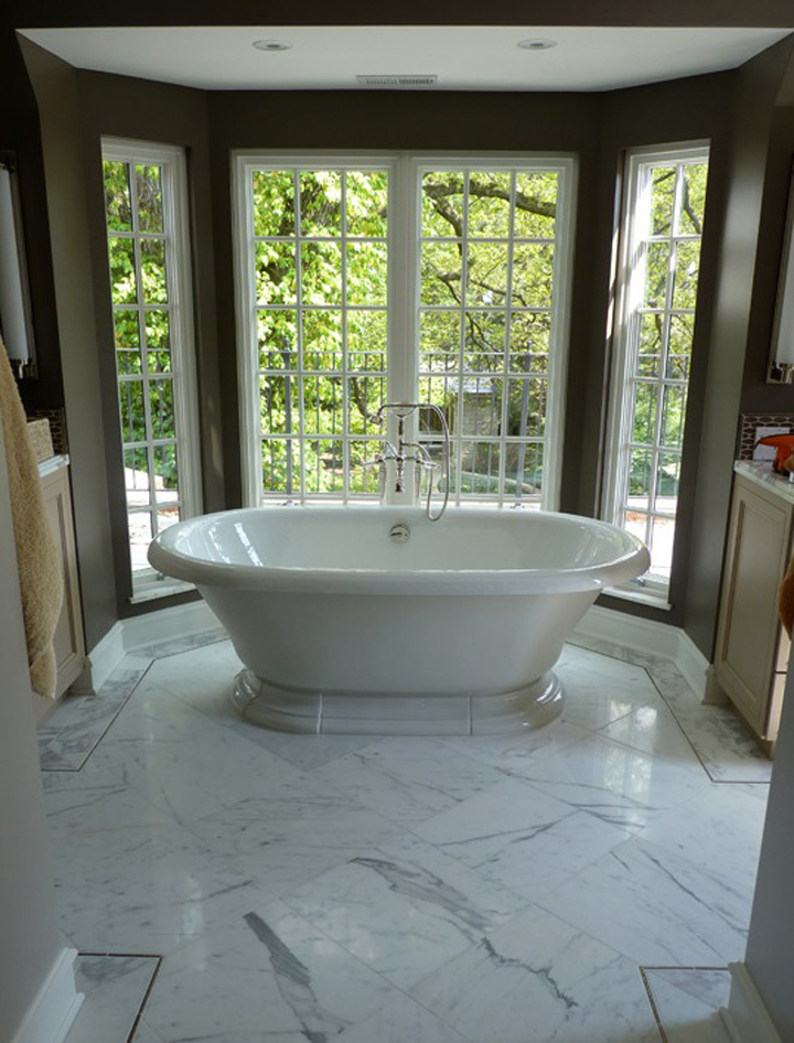 Tub with Terrace Views