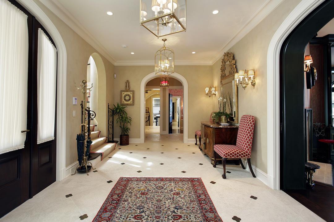 Winnetka Residence - Foyer