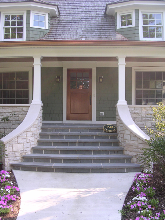 249 Cumnor - Sweeping front entry stair
