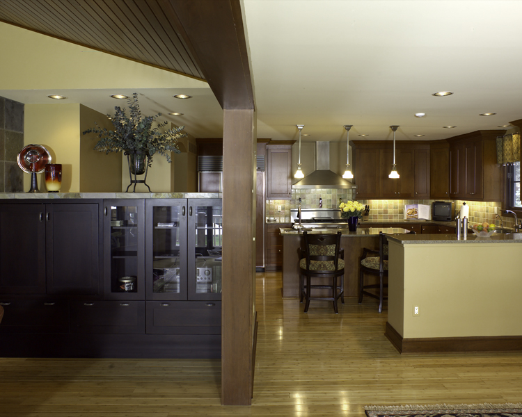 5905 Upper Straits – Kitchen and dining room