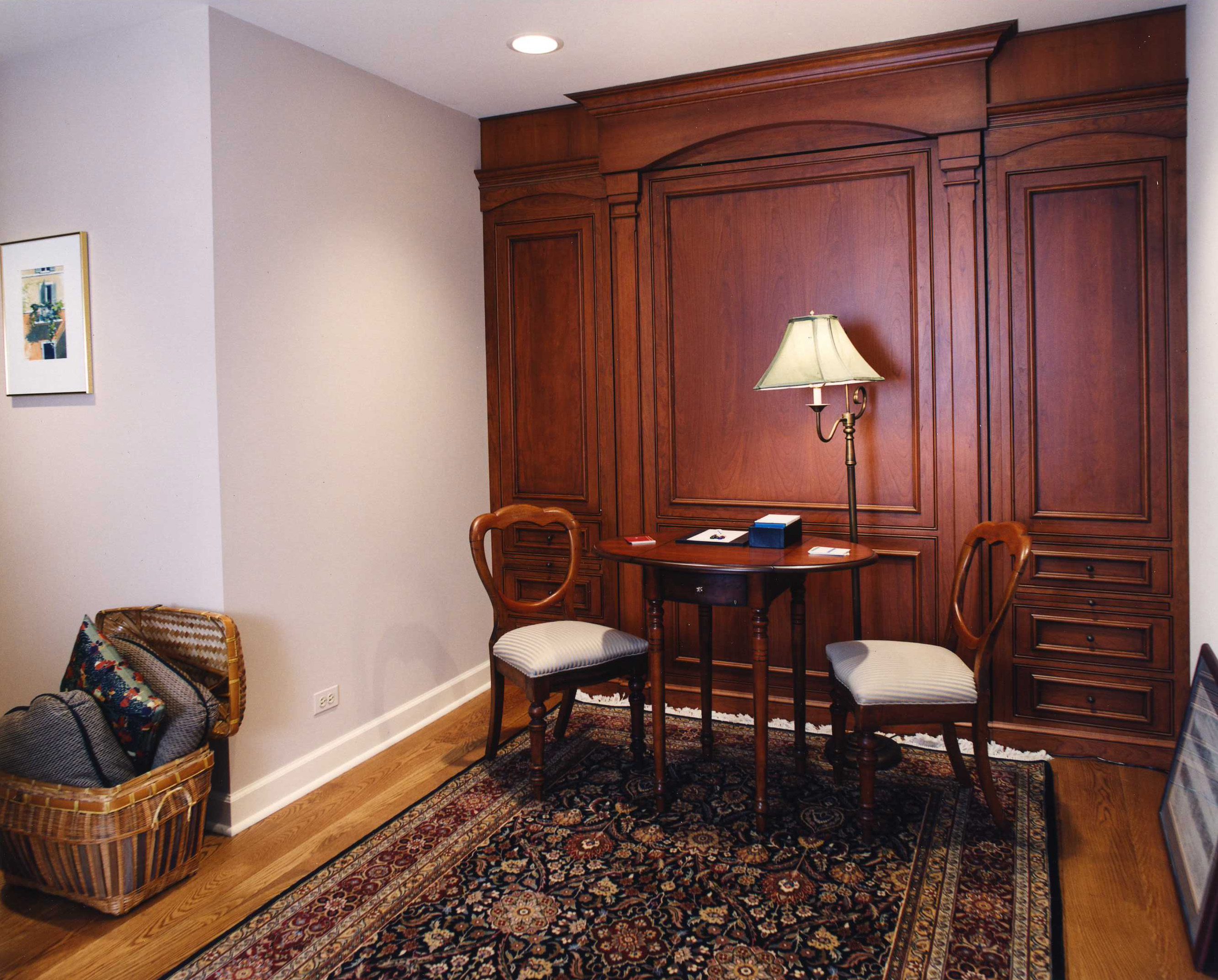 78 Woodley - Concealed Murphy Bed